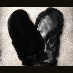 """Варежки """"Кролик-черный"""" кожа"""