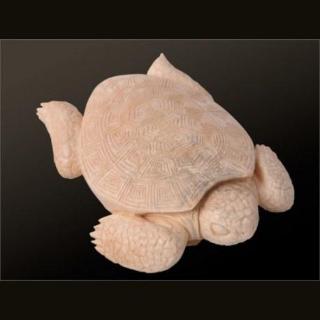 Черепаха из бивня мамонта