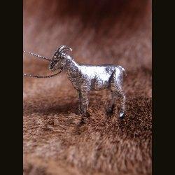 """Серебряная статуэтка """"Коза"""""""