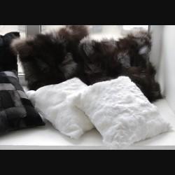 Подушка из меха кролика белая