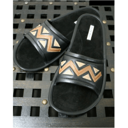 Тапочки кожаные черные