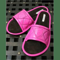 Тапочки кожаные малиновые